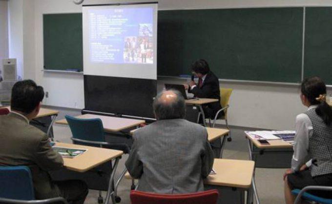 平成29年10月10日(火曜日)函館大学にて「出前講演会」を開催し、加藤院長が講演しました。